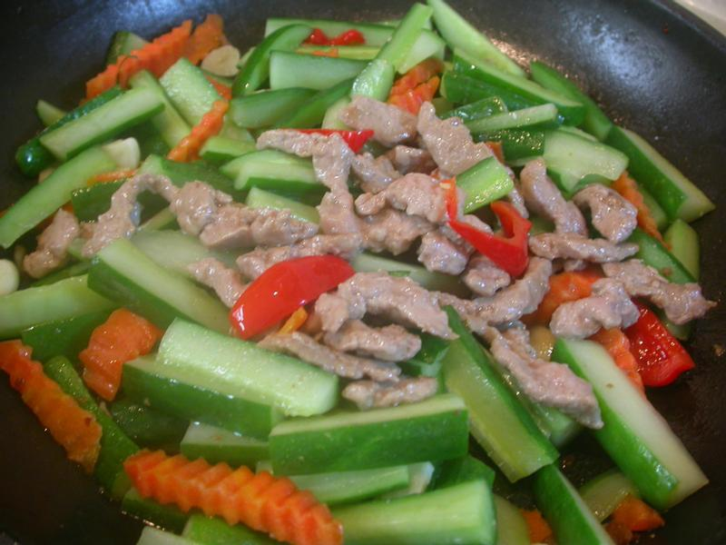 《eagle的廚房》小黃瓜炒肉絲