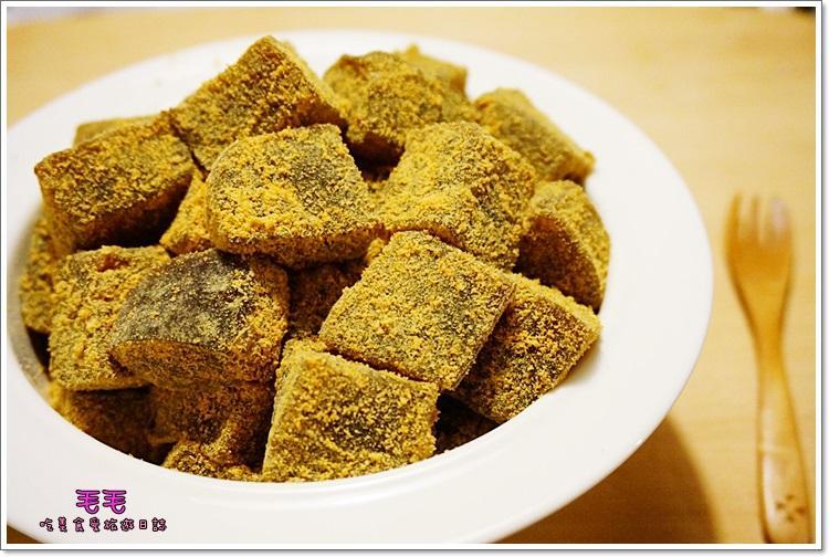 ♥毛毛♥黑糖涼糕。佐日式黃豆粉