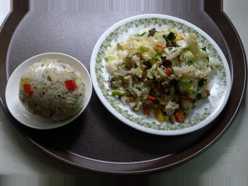 紫蘇薏仁香拌蔬食飯