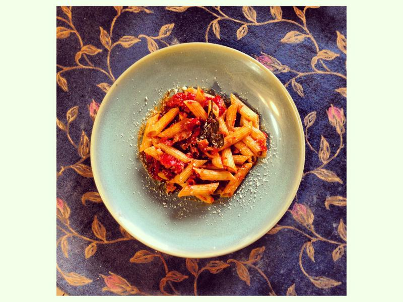 番茄培根香料筆管麵