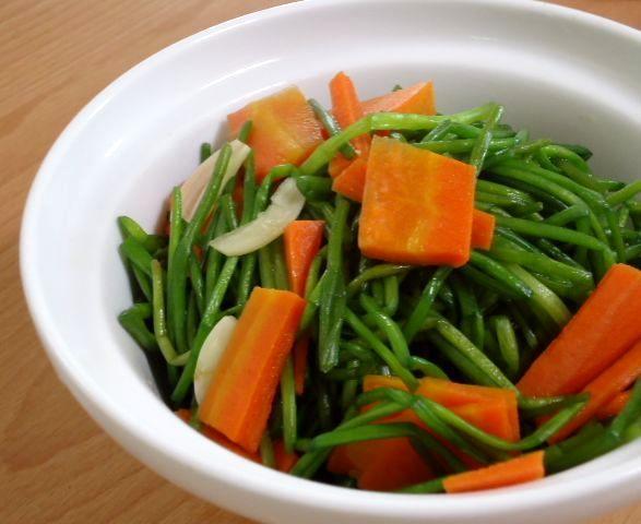 ●紅蘿蔔水炒水蓮