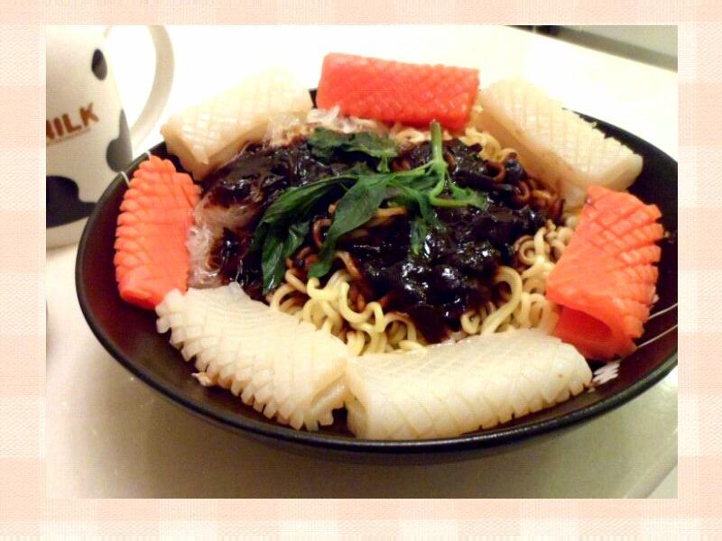 韓式辣味蒟蒻炸醬麵