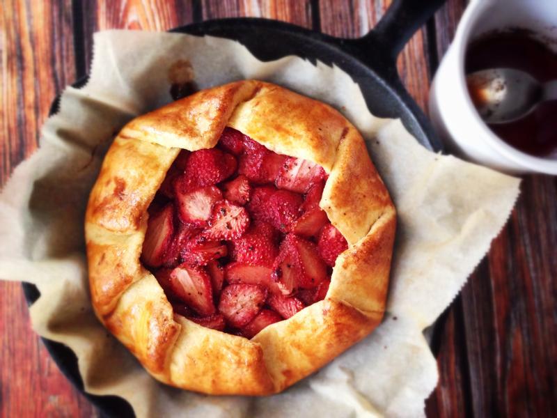 蜂蜜巴薩米克草莓酥餅 Honey Balsamic Strawberry Galette