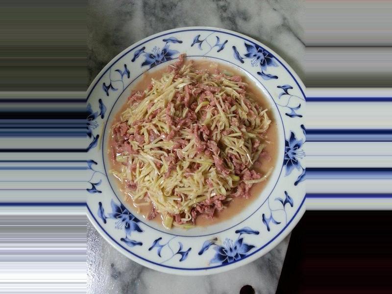 紅麴肉絲炒筊白筍