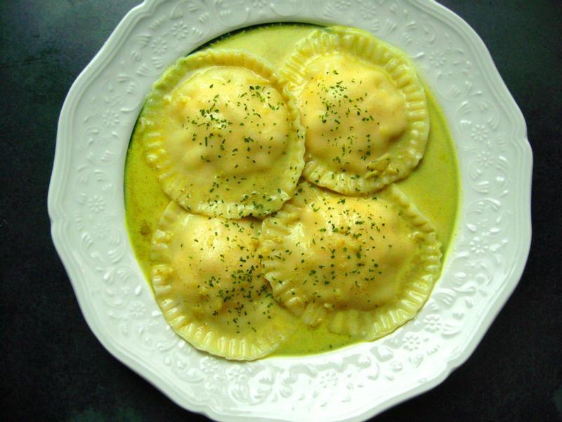 印度奶油咖哩雞肉麵餃