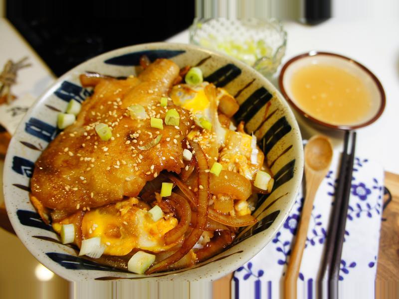 不用一滴油:雞肉丼(雞肉蓋飯、親子丼)