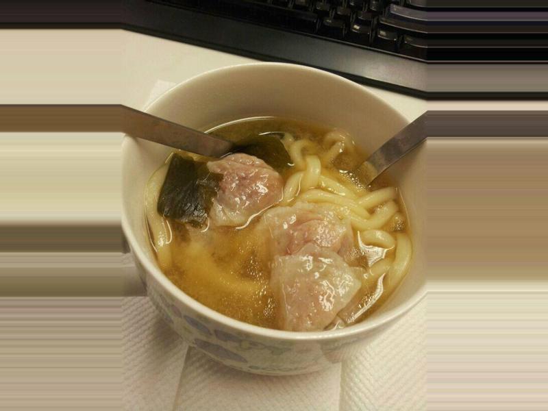 [辦公室料理] 味增魚皮餃湯烏冬