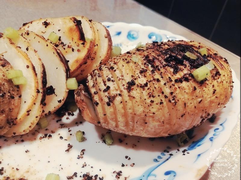 超簡單♥手風琴馬鈴薯♥(一般烤箱可烤)