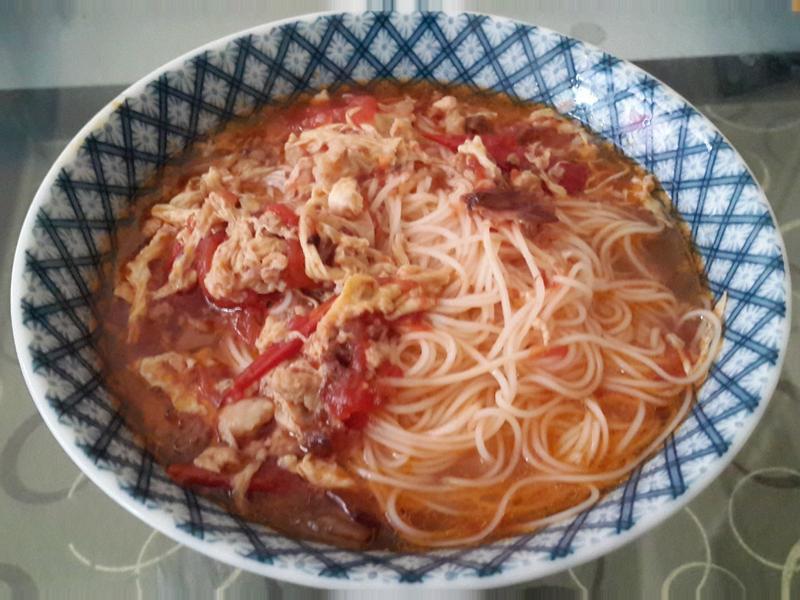 番茄雞蛋湯麵