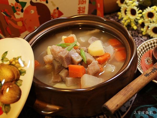 根莖類蔬菜湯。我的第一套好好吃食育繪本