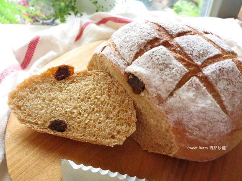 黑糖葡萄乾豆渣麵包