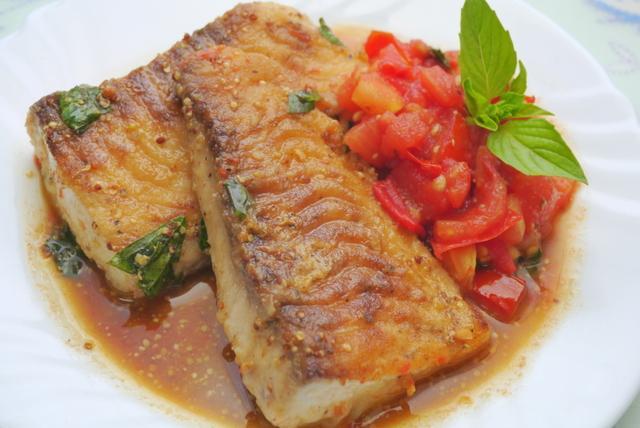 芥末籽奶油鯛魚排