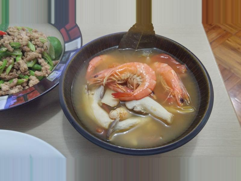 簡易冬蔭功(泰式酸辣蝦湯)