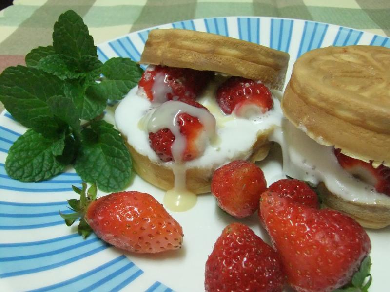 《草莓就愛鷹牌煉奶》爆漿草莓戀乳餅